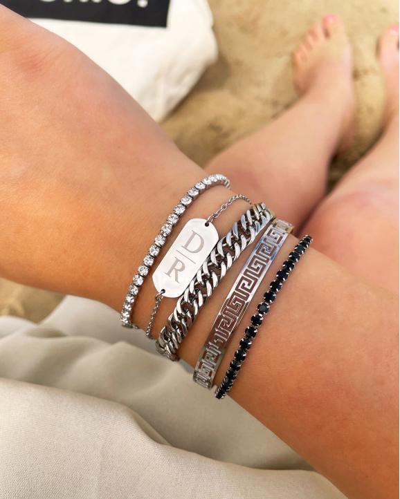 Shop de zilveren armbanden