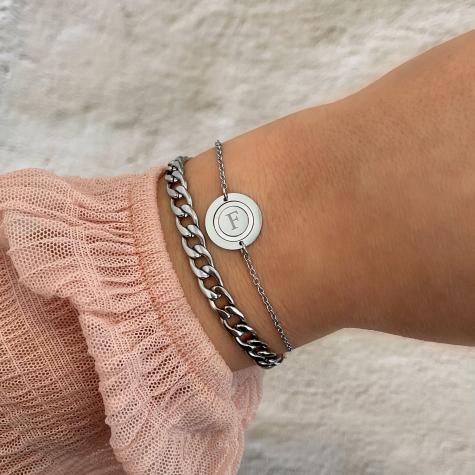 Initial armband parelmoer