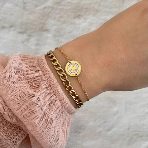 Armband 3 initials parelmoer kleur goud