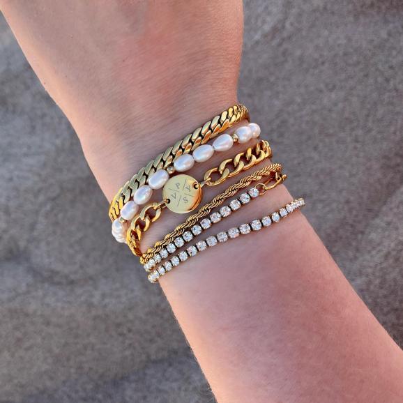 gouden armbanden mix met parels