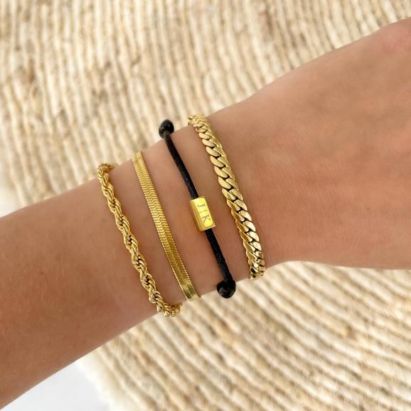 Shop jouw initial cube armband in het zwart