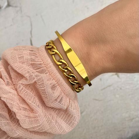 Minimalistische bangle trendy kleur goud