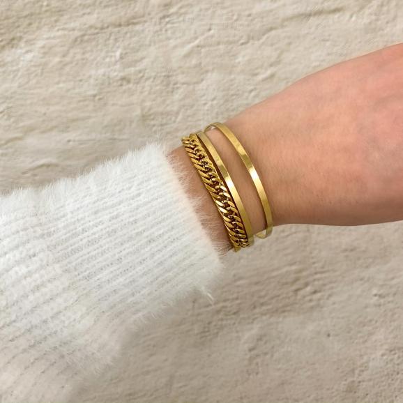 Dubbele bangle armband om pols