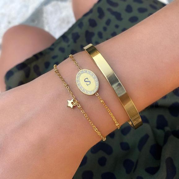 Mooie gouden armband met bedel en gratis gravering