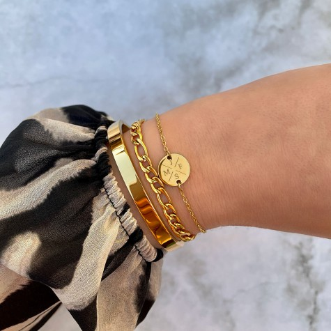 Armband Met Vier Initialen Goud Kleurig