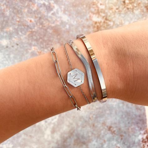 Minimalistische zilveren bangle van finaste
