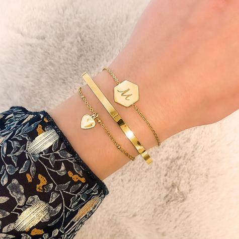 Initial armband met sierletter goud