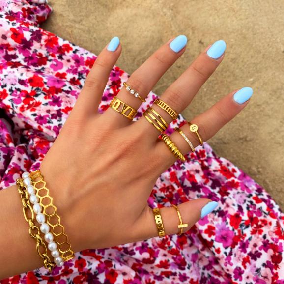 gouden ringen met armbanden