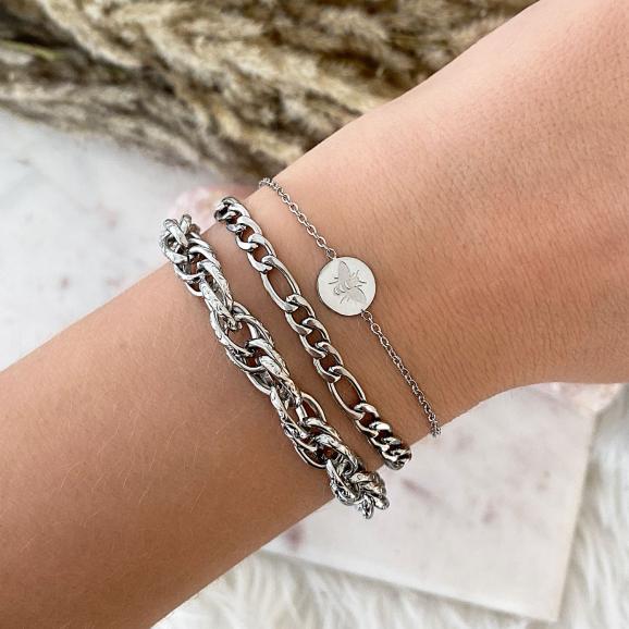 Zilveren schakelarmbandjes gecombineerd met elkaar