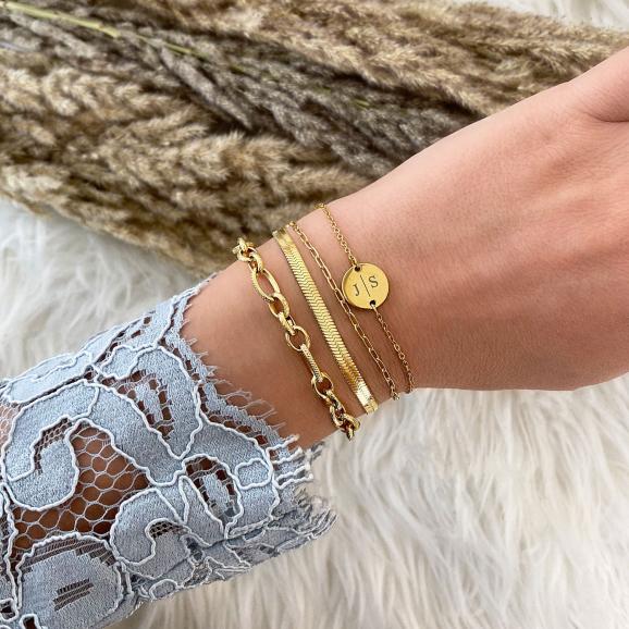 Gouden armbandjes met schakeltjes combinatie