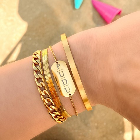 Grote bar armband met 4 letters gold plated
