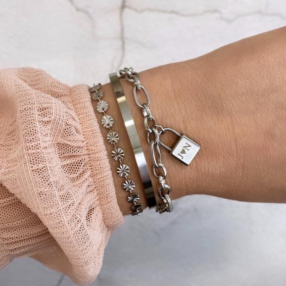 Armband in de kleur zilver met graveerbaar slotje