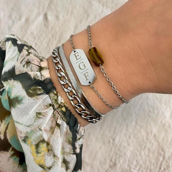 Bar armband graveren 3 letters