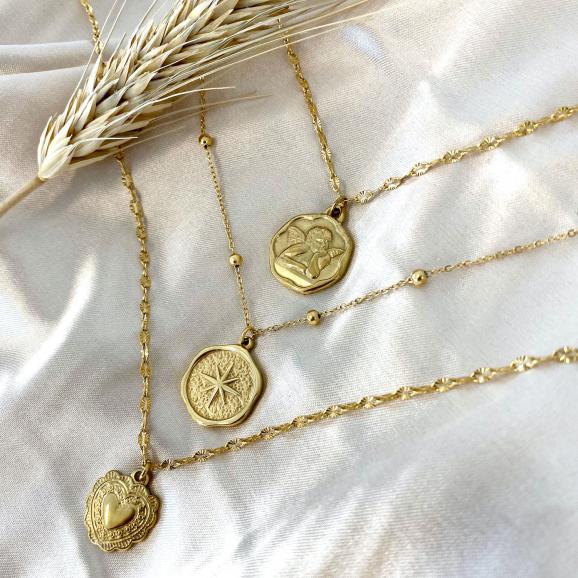 Gouden kettingen met hangertjes