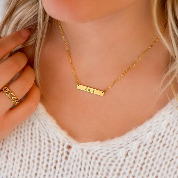 Gouden graveerbare ketting met romeinse cijfers in sieradendoosje