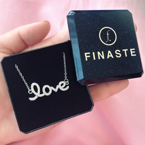 Ketting love quote zilver