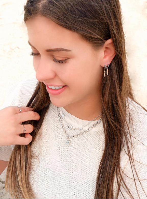 Mooie sieraden om te kopen voor een complete look