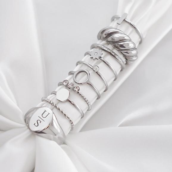 Trendy ringen met satijn voor een mooie look