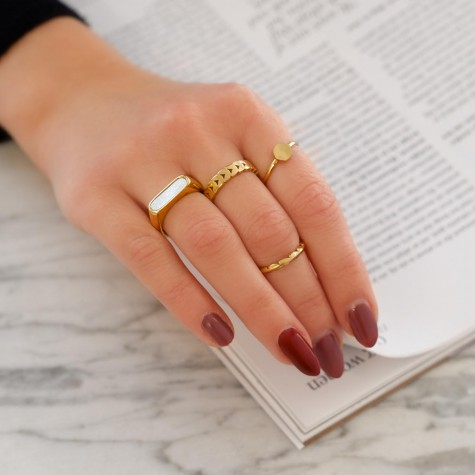 Ring hexagon gold plated