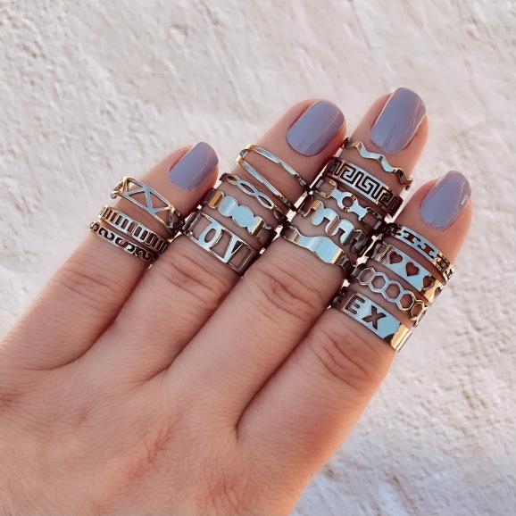 Zilverkleurige ringen party om vingers met doosje