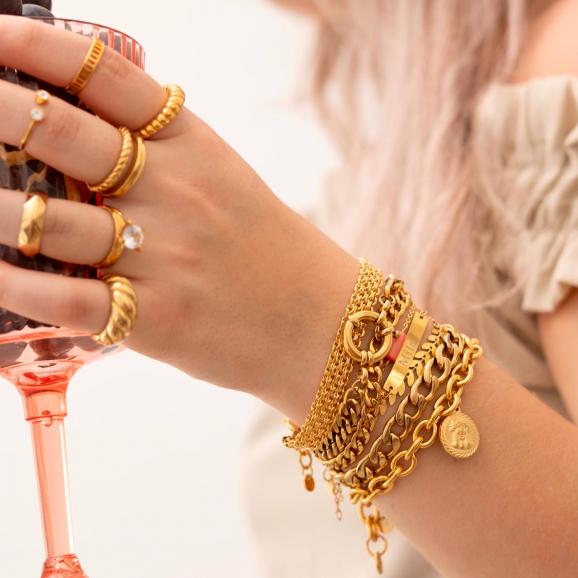 Shop de mix van sieraden in het goud snel