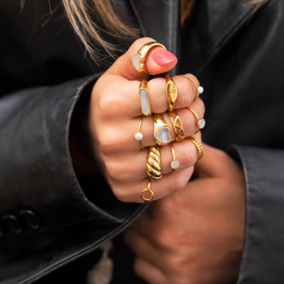 Chunky ring croissant goud kleurig
