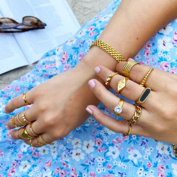 Trendy ringen om de hand