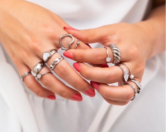 Ringparty zilver mix om handen