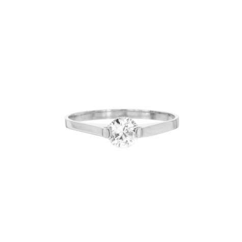 Zilveren ring met steentje