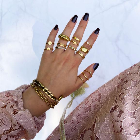 Koop de ringen van Finaste in het goud