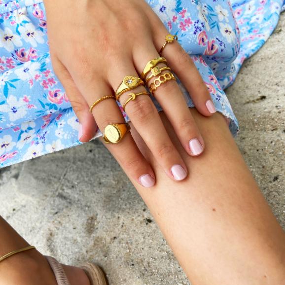 Beach look met de mooie ringen van Finaste in het goud