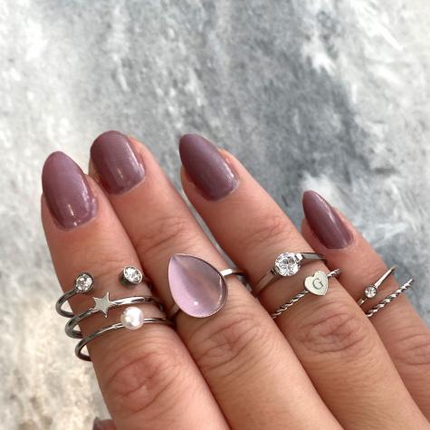 Ring met steen druppel zilver