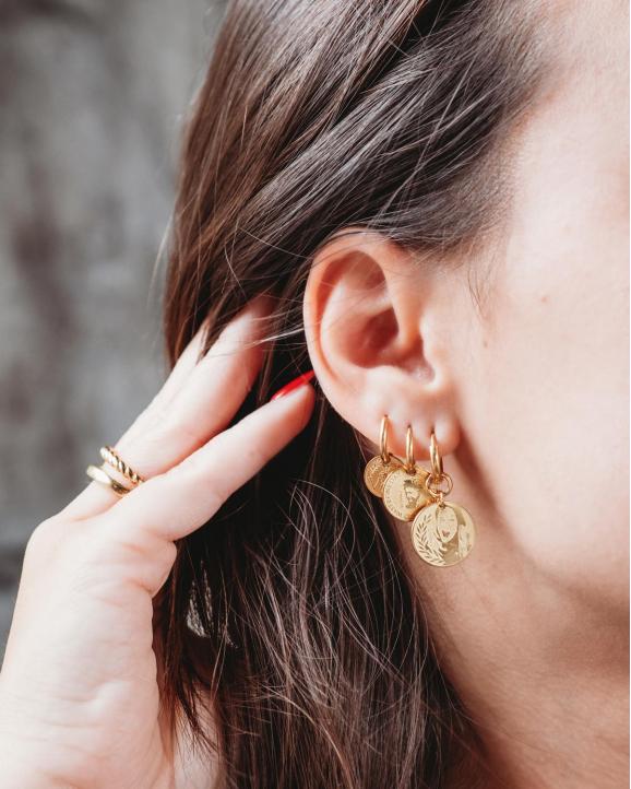 Mooie mix van drie verschillende oorbellen met coin