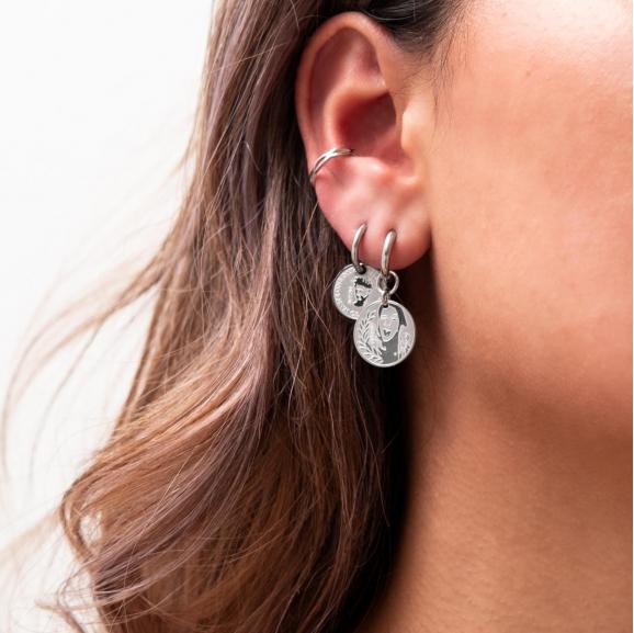 Zilveren oorbellen met muntjes in griekse stijl