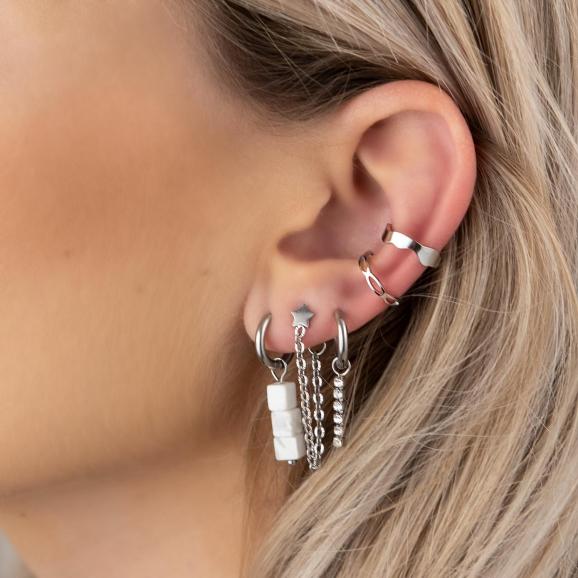 trendy mix van zilveren oorbellen
