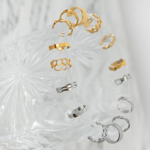 Mix van zilveren en gouden ear cuffs