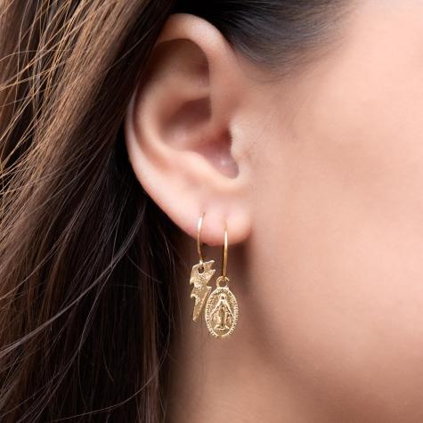 Gouden oorringetjes met ovale Maria hanger