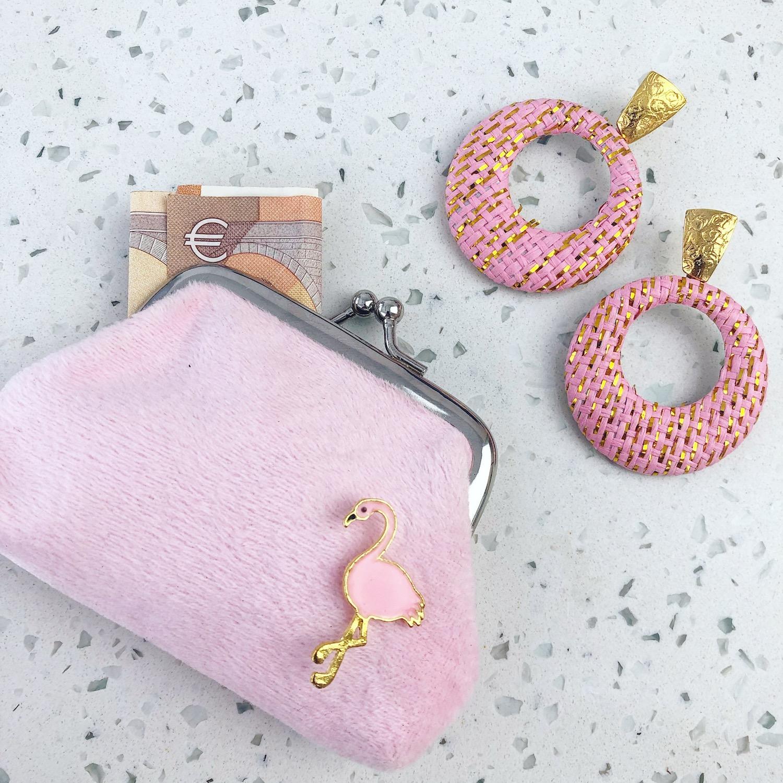 Roze Portemonnee met flamingo stud en oorbellen