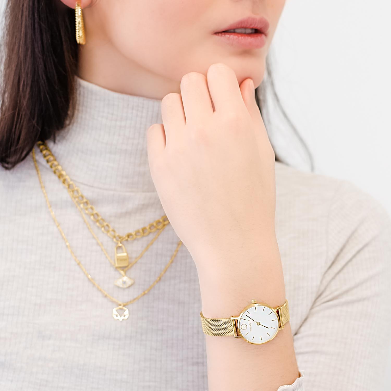 Mooie horloge voor haar om de pols met gravering