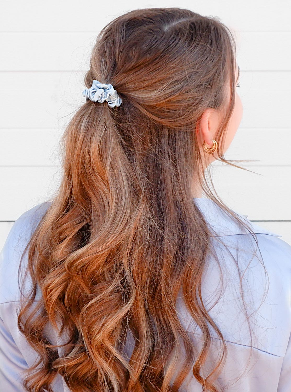 Trendy haar elastiekjes in een setje in het haar
