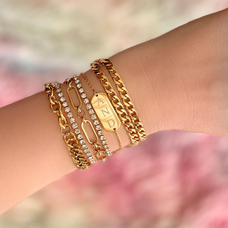Armbanden kopen met schakels en gravering