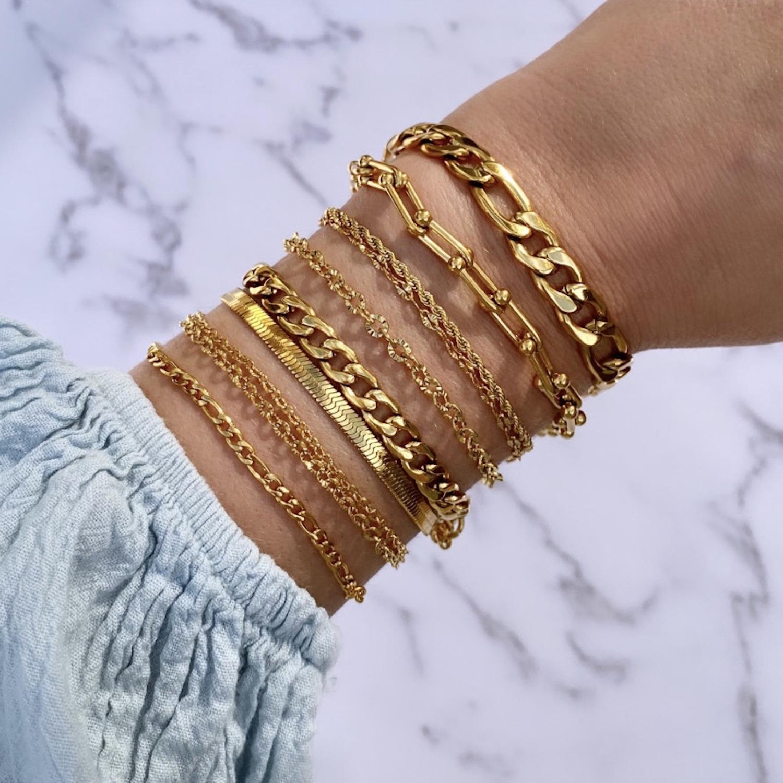 goudkleurige armbanden voor een mooie look