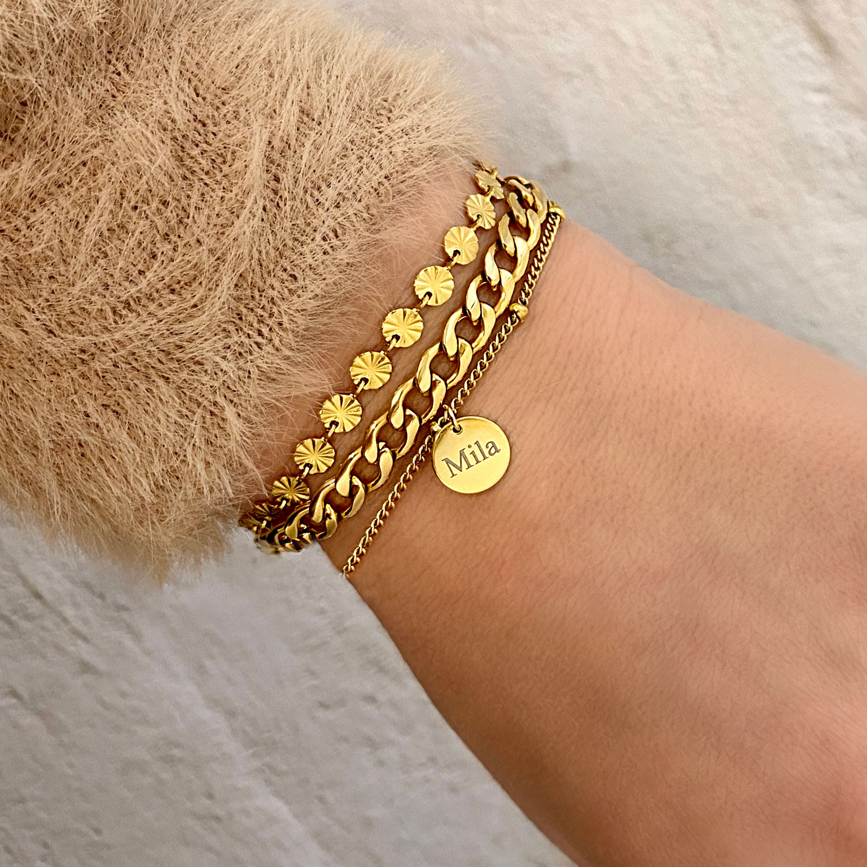 Gouden armbandjes met chains en personalisering