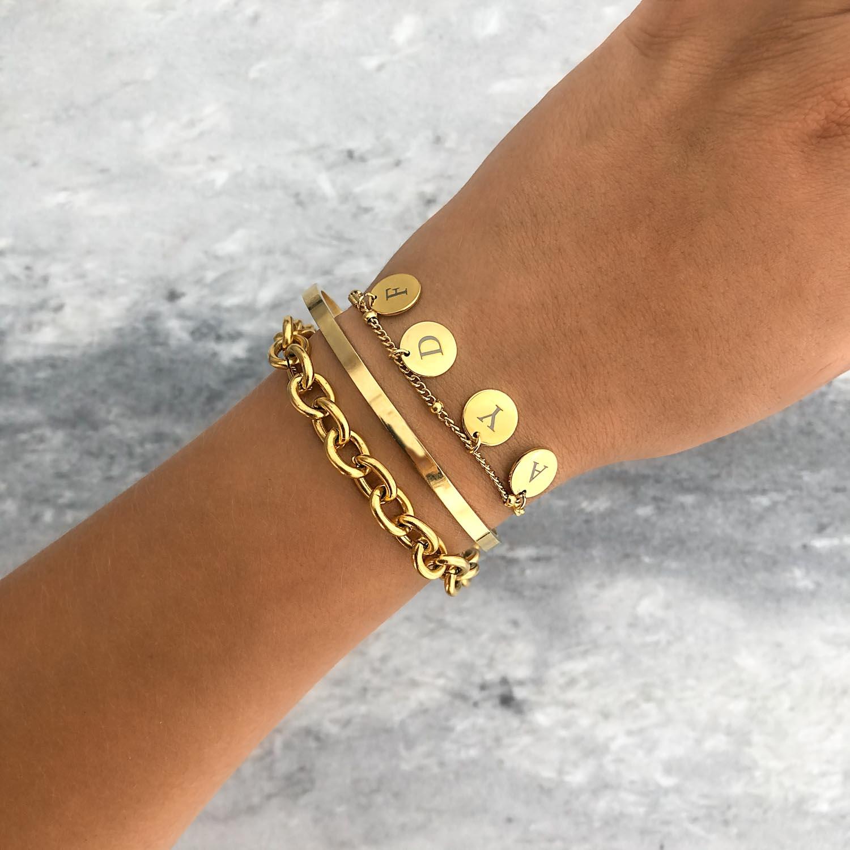 Armband met namen 4 muntjes goud kleurig