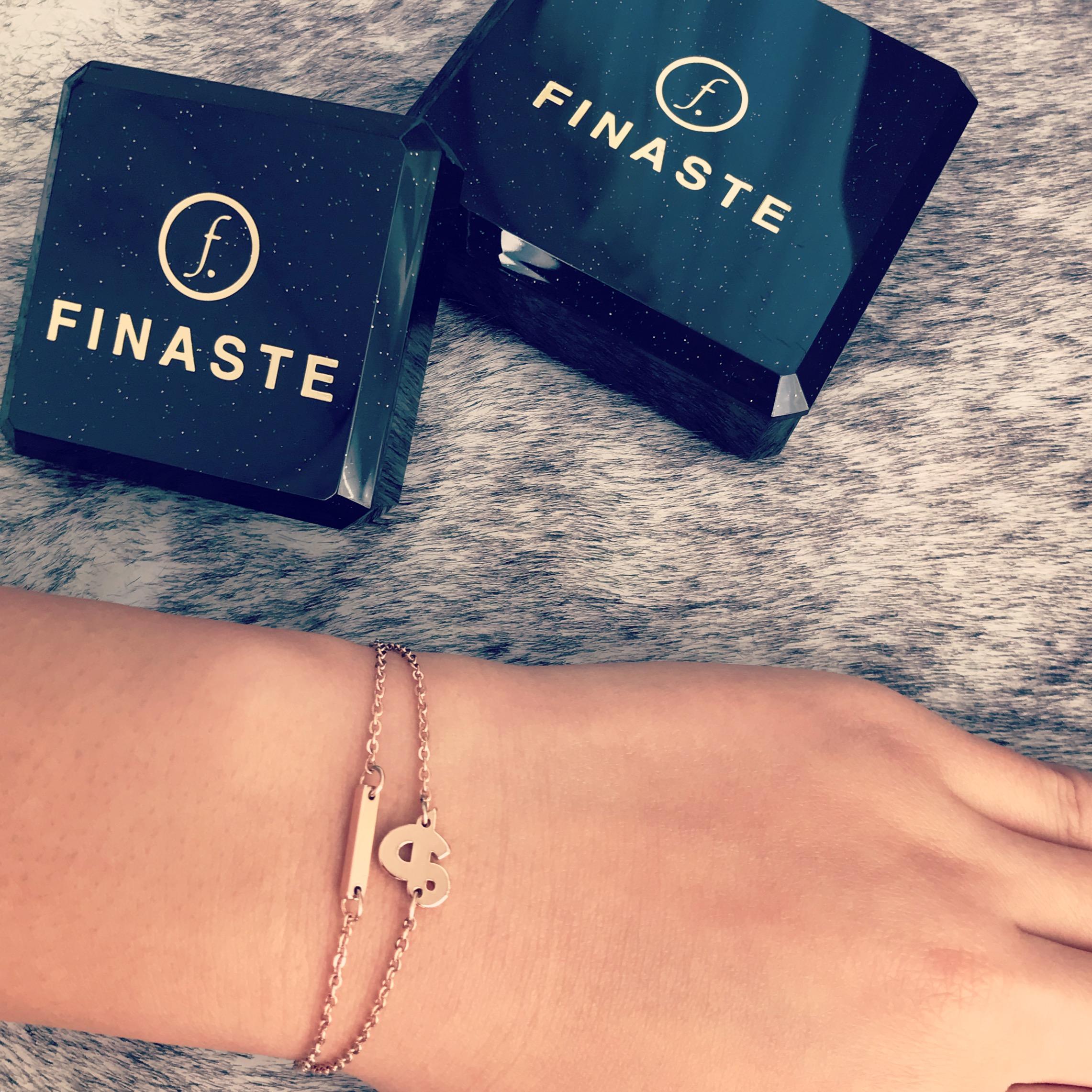 Rose gouden armbandjes met sieradendoosjes van Finaste