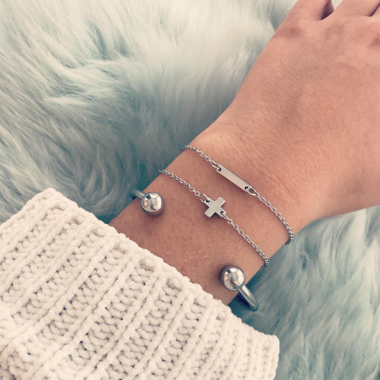 Zilveren bar armband gecombineerd met bangle en fijn armbandje
