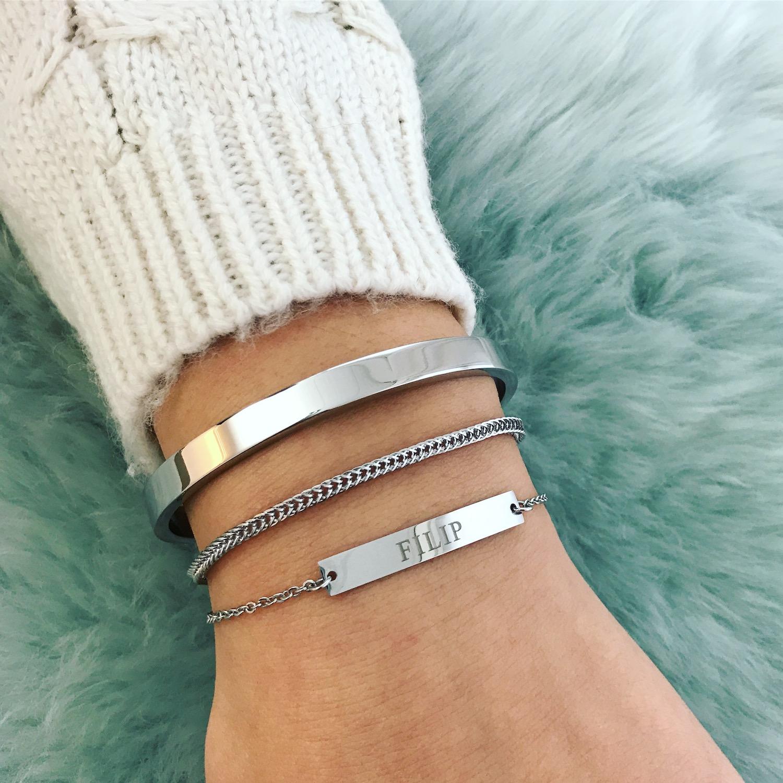 Zilveren graveerbare armband met bangle en schakelarmbandje