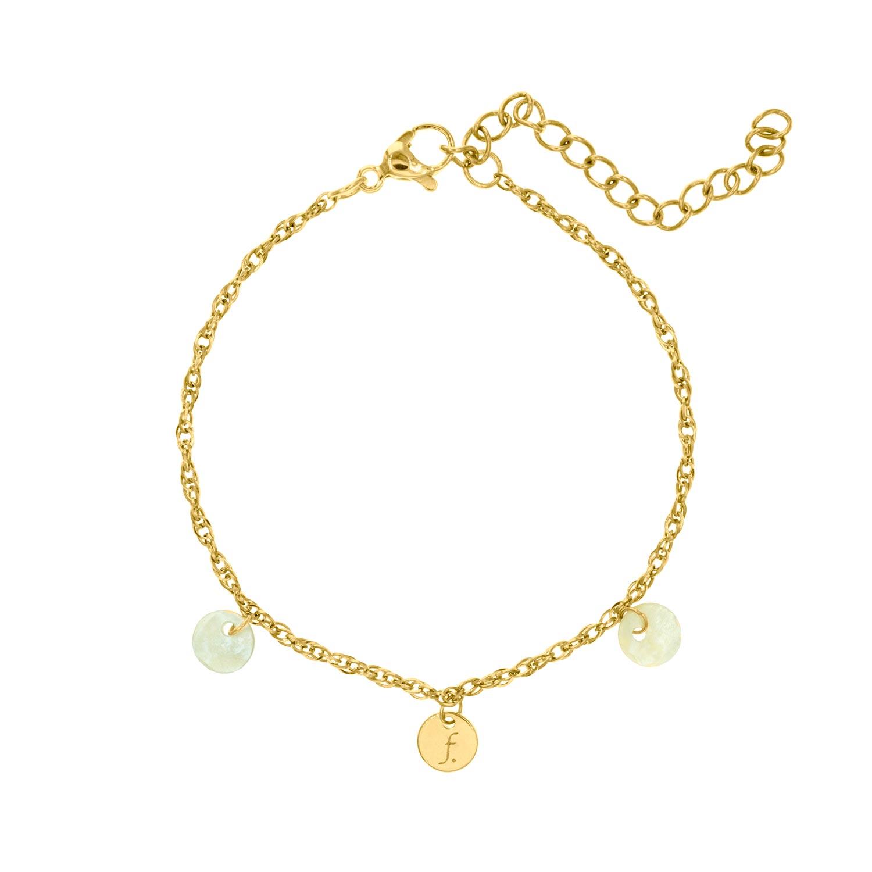 Gouden armbandjes met schelpjes en muntje