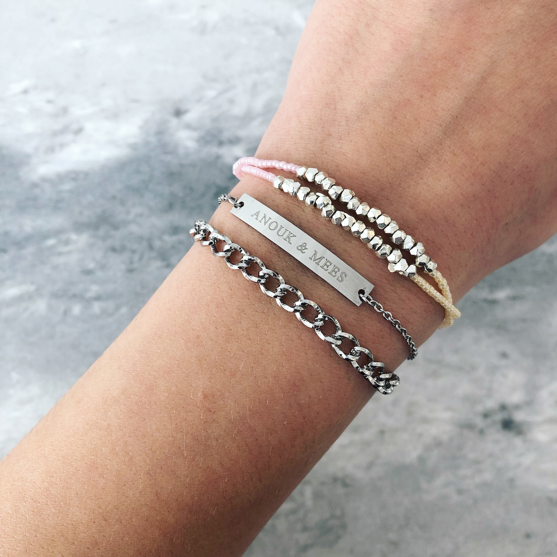 Zilveren bar armband samen met chain en ibiza armbandje