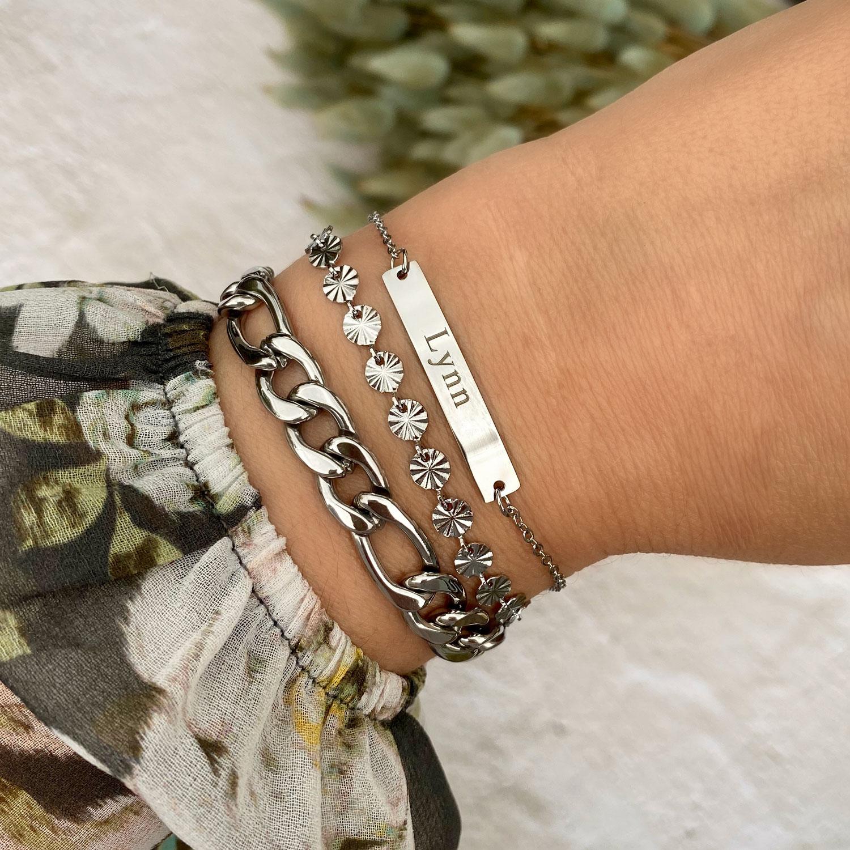 Zilveren armband met naam met schakelarmbandjes